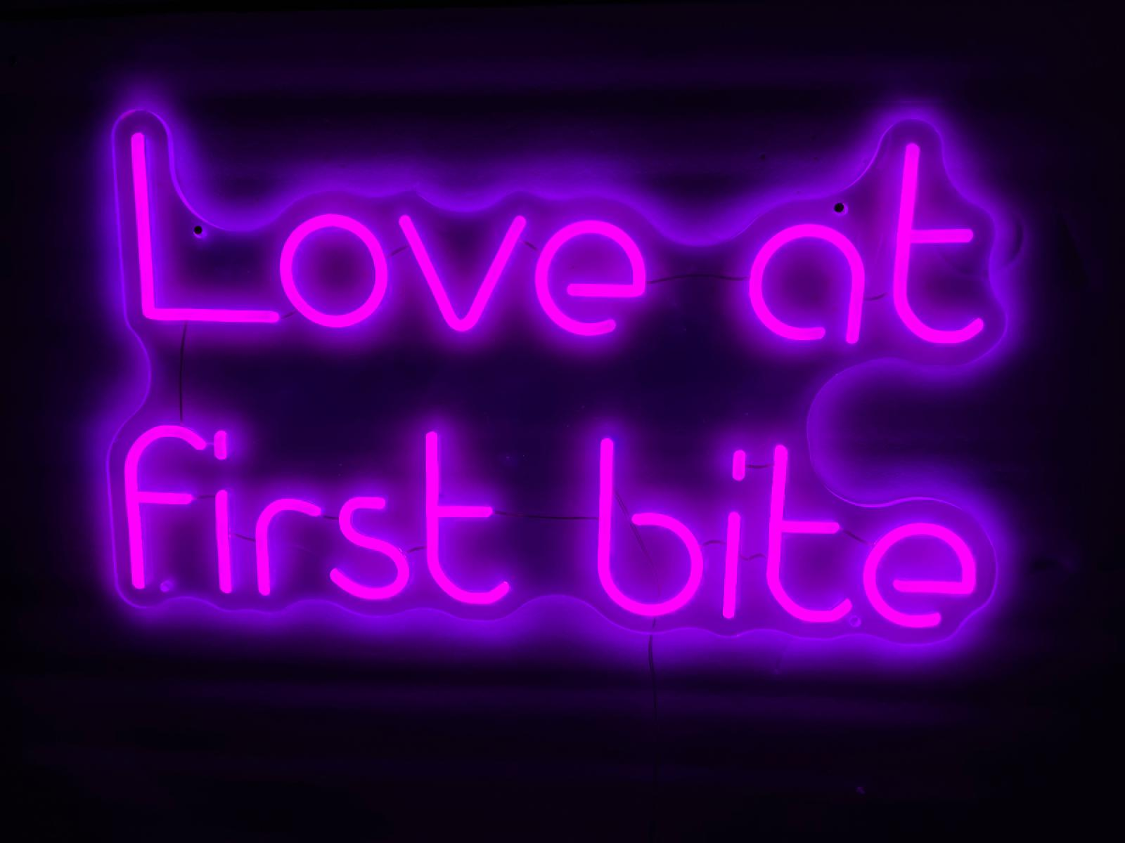 LED Neon Sign - Love at first bite